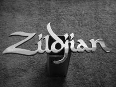 Gambar 9. Logotype Zildjian yang dipengaruhi kaligrafi Arab dan Barat. Sumber: www.customhitchcovers.com/custom.html